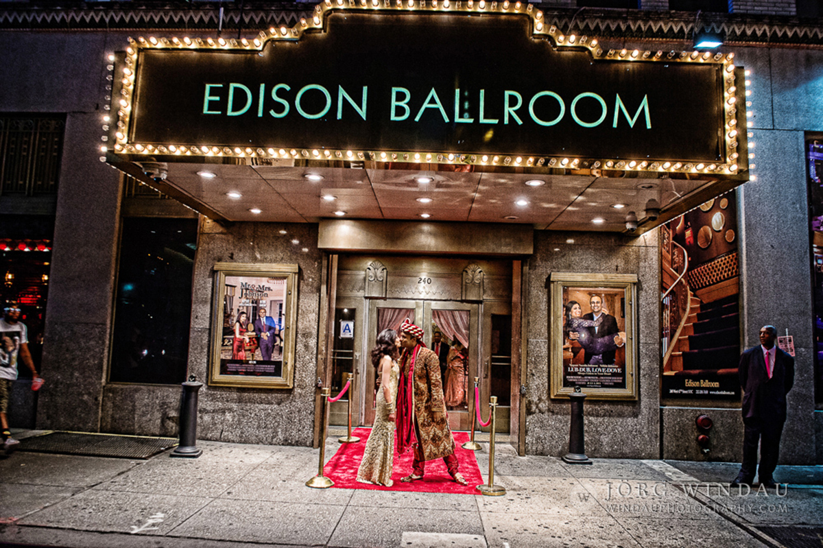 Weddings edison ballroom new york for Best wedding venues in new york state